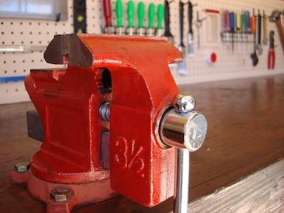 Верстак для слесаря-ремонтника