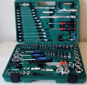 Набор инструментов для авто в чемодане - 13