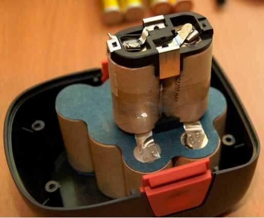 Зарядное устройство для шуруповерта Интерскол - 4