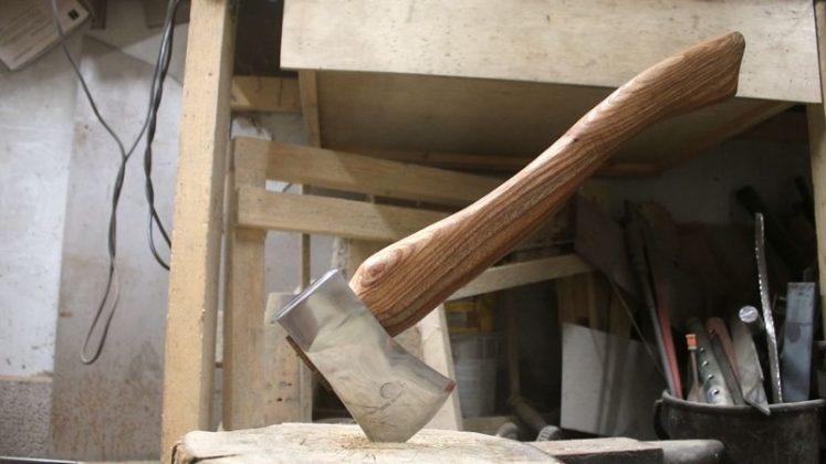Реставрируем старый топор своими руками
