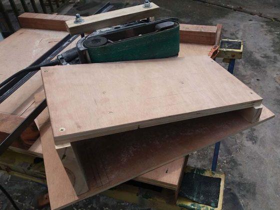 Ленточный шлифовальный станок для верстака своими руками - 3