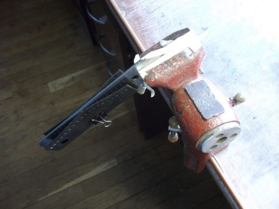 Делаем новую обмотку рукояти для старого ножа - 23