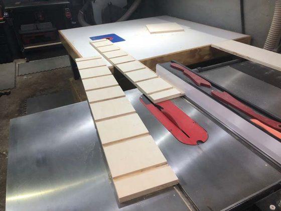 Разрезаем лесенку на 2 части