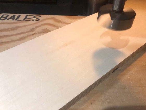Делаем отверстие для биты