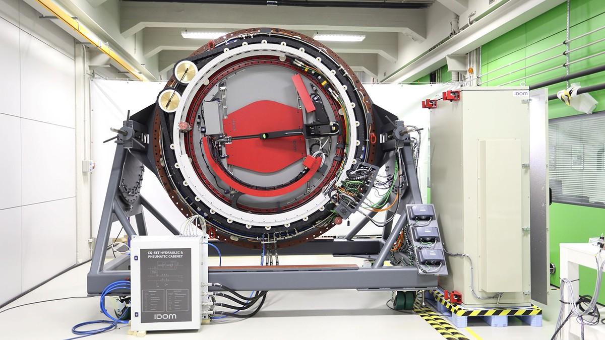 Вращатель инструмента - важный высокоточный механизм, который вращает телескопическую камеру. фото сайта