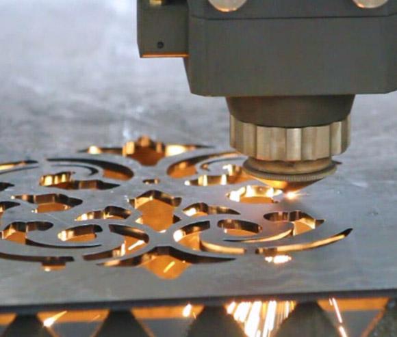 Для чего нужен газ в лазерной резке металла | 2
